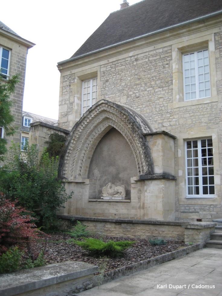Portail de l'Hôtel Dieu