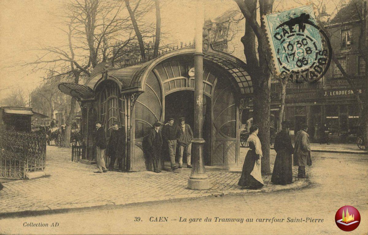 Edicule angle place Saint-Pierre, ancien boulevard Saint-Pierre.