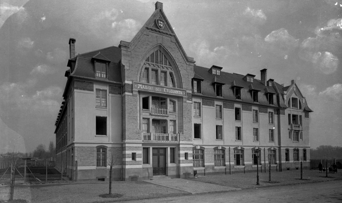 Maison des étudiants (Fonds Delassalle, archives municipales de Caen)